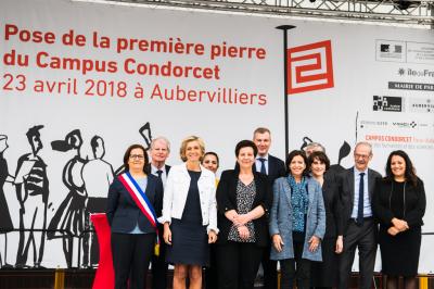 Frédérique Vidal, ministre de l'Enseignement supérieur, de la Recherche et de l'Innovation, pose la première pierre du Campus Condorcet