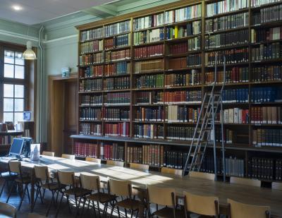 Salle de lecture, deuxième étage