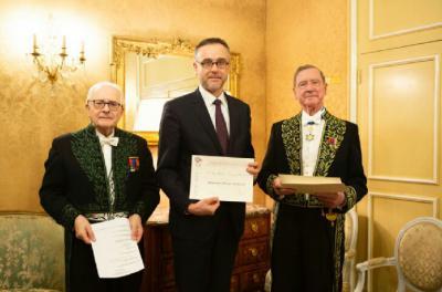 Olivier Poncet (prom. 1993) reçoit le prix Laurain-Portemer