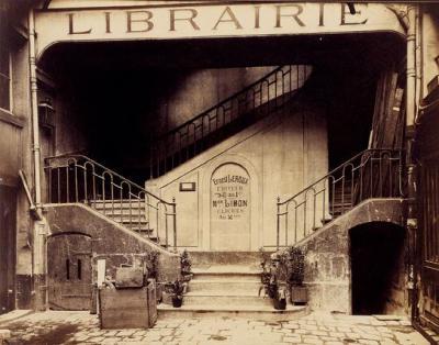 Couverture de l'ouvrage Du livre à la finance. Crédit et discrédit de la librairie parisienne au xixe siècle