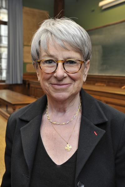 Marie-Paule Arnauld dans la grande salle de l'École à la Sorbonne, remise des diplômes 2013