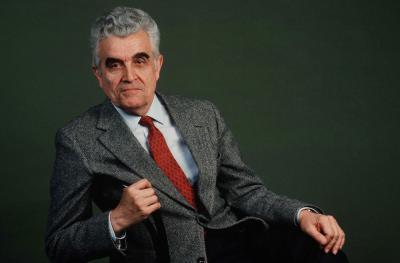 René Girard (en 1990)