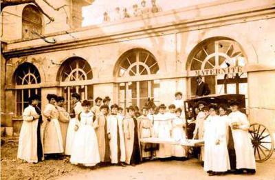 Elèves sages-femmes (Marseille fin du XIXe siècle)