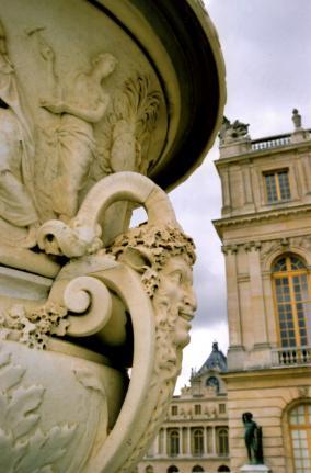 Le marbre: du matériau à l'objet d'art