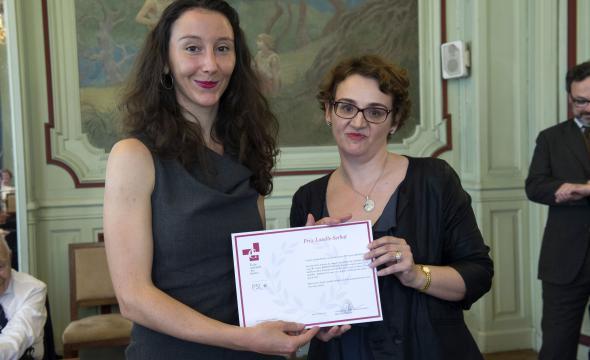 Laure Mendousse reçoit le prix Lasalle-Serbat