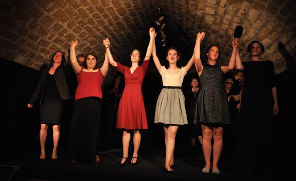 De gauche à droite: Prêle Paris, Marie Taupiac, Catherine Koehl, Alice Billon, Jeanne Flamant, Clotilde Benoit © Jean-François Delon