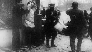 Arrestation de civils à Vitebsk en 1941