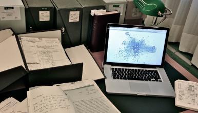 Exemple de recherche en humanités numériques: répertoire d'archives1 sous forme d'analyse de réseau de métadonnées