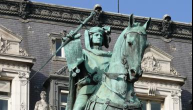 Statue équestre d'Étienne Marcel aux abords de l'hôtel de ville de Paris (jardin des Combattants-de-la-Nueve), 1888